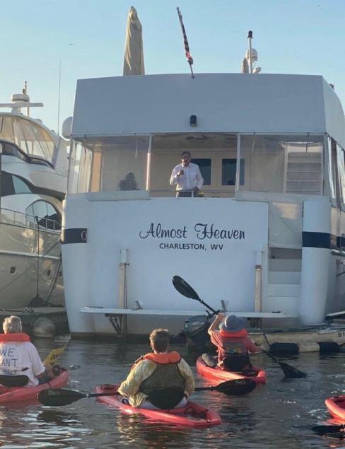 Manchin_House_Boat